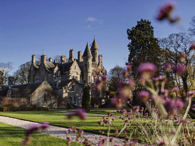 Funds for the Extensive Renovation of a Listed Castle